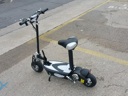 electric scooter 1000w 25 km speed 30 km h airwheel. Black Bedroom Furniture Sets. Home Design Ideas