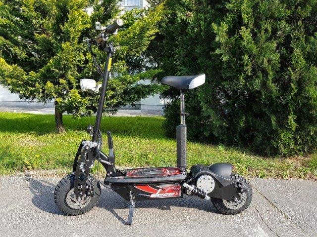 "Electric scooter 10 10"" 500W 20km / h - 30km lead DES06-A1"